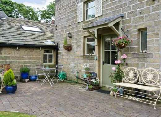 Oaklands Romantic Retreat, Lancashire