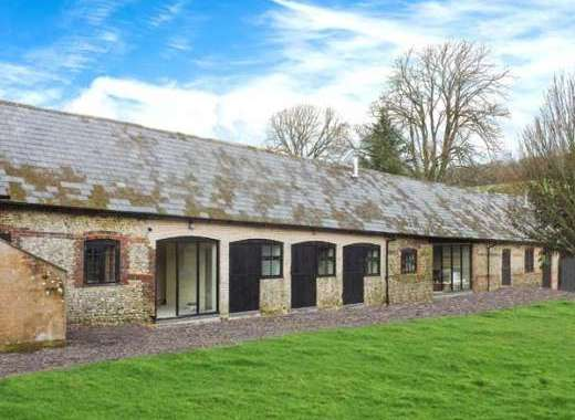 2 Bedroom Barn Conversion near Winterborne Stickland