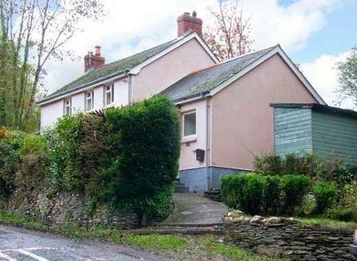 Pet-Friendly Country Cottage near Newcastle Emlyn
