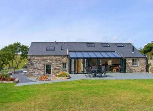 Garth Morthin Dog-Friendly Barn near Snowdonia National Park