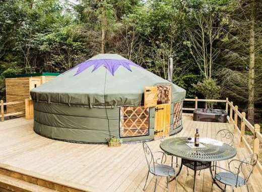Rowan Holiday Yurt near the Peak District National Park