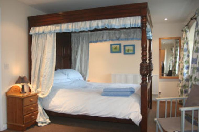 A kingsize bed ensures a good night's sleep