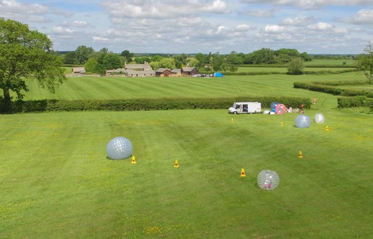 The Cotswold Manor Hall, Exclusive Hot-Tub, Games Barn, 70 acres of Parkland, Oxfordshire, Photo 16