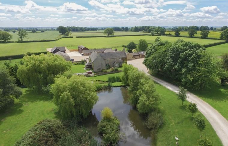 The Cotswold Manor Hall, Exclusive Hot-Tub, Games Barn, 70 acres of Parkland, Oxfordshire, Photo 21