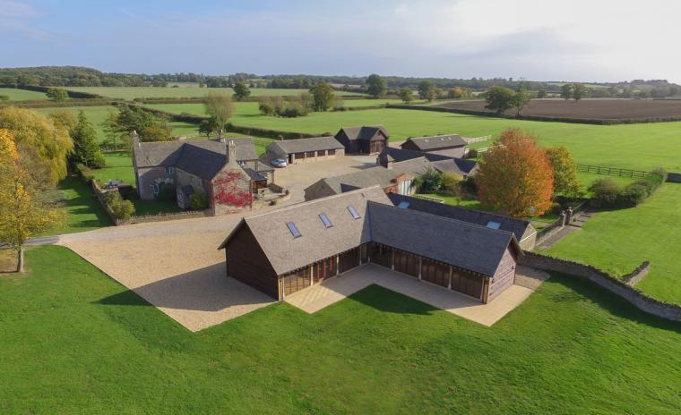 The Cotswold Manor Hall, Exclusive Hot-Tub, Games Barn, 70 acres of Parkland, Oxfordshire, Photo 14