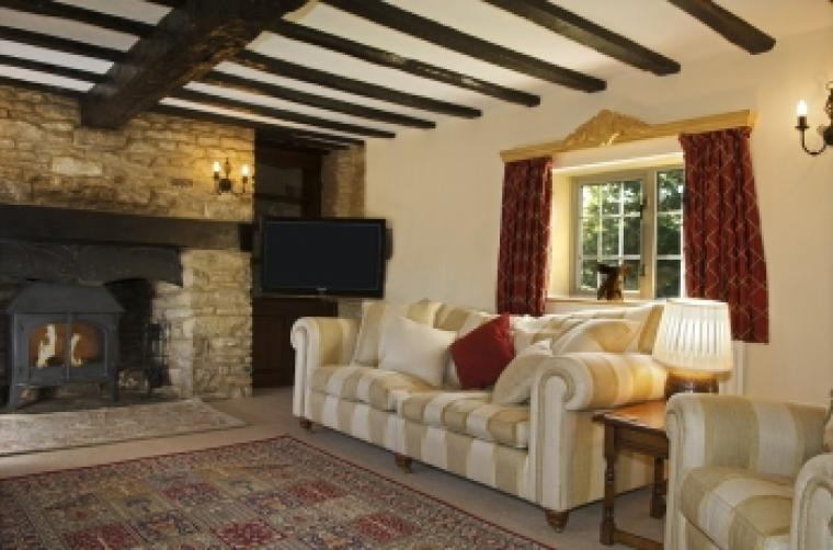The Cotswold Manor Hall, Exclusive Hot-Tub, Games Barn, 70 acres of Parkland, Oxfordshire, Photo 6