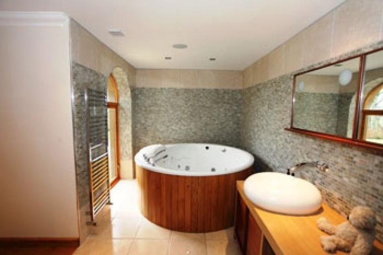 Master ensuite Koihler riverbath