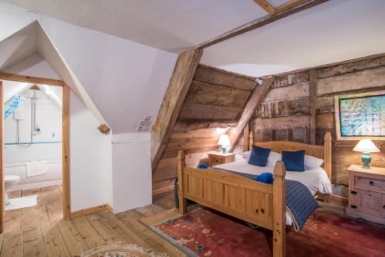 Ensuite in elm panelled room