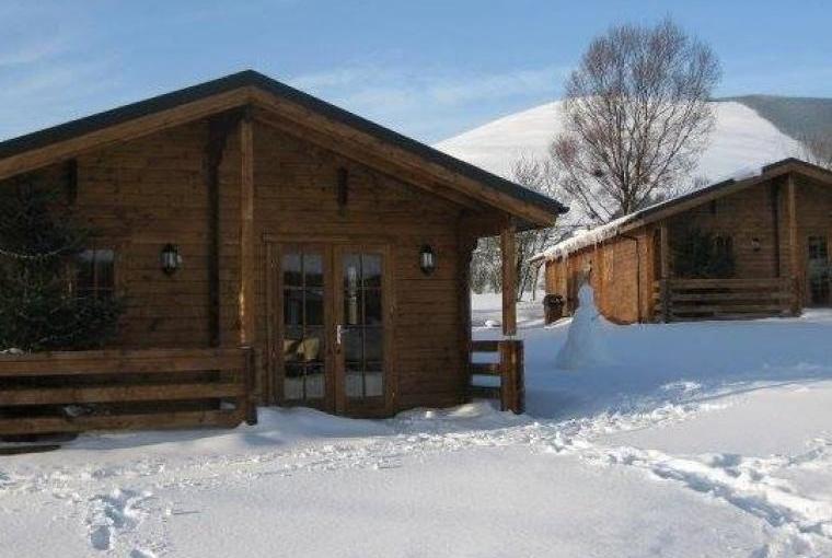 Cabin Berwyn in snow