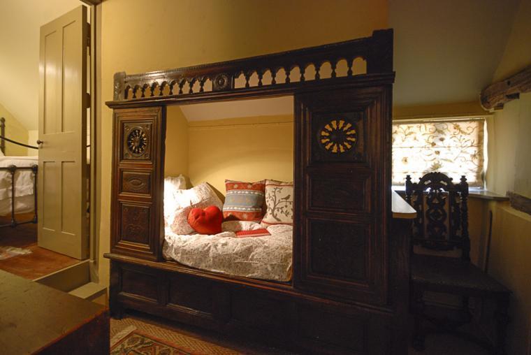 Cupboard bed