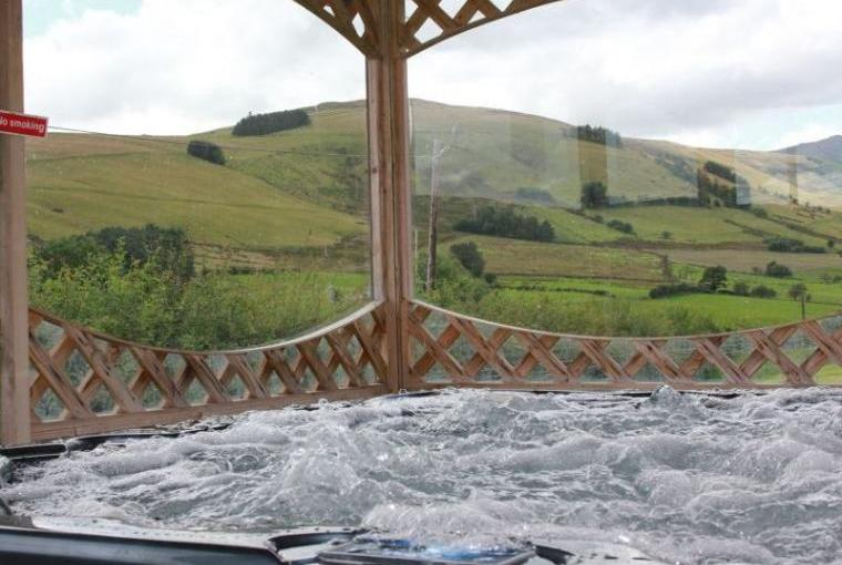 Caban Iwrch with all weather Hot tub, Shropshire, Photo 23