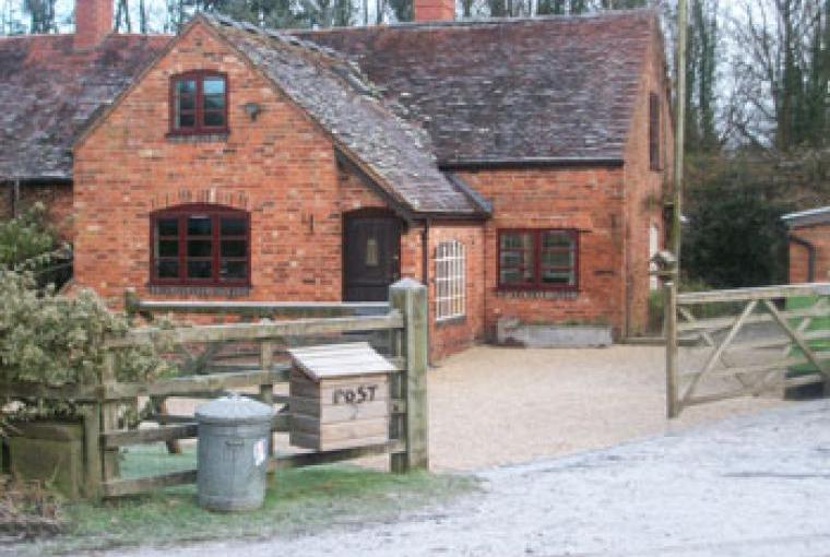 Little Beanit Farm Cottage, West Midlands, Photo 1