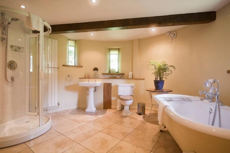 Holiday cottage with roll top bath, Wye Valley
