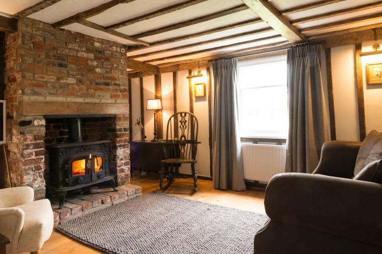 Navigation Cottage Lounge with Woodburner