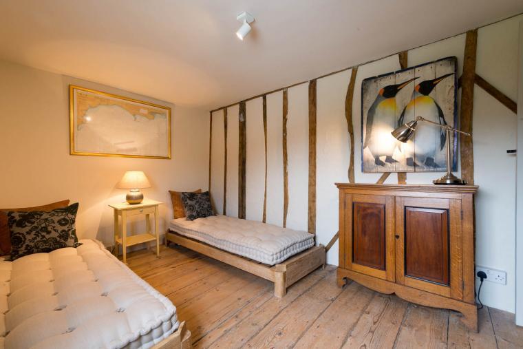 Twin bedroom, Navigation Cottage