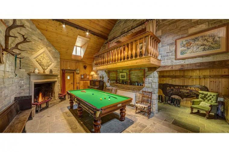 Private Rural Lodge, Wrackleford Estate, Dorset, Photo 4