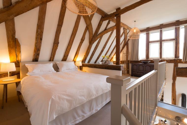 Romantic bedroom, Deepwell Granary, Suffolk