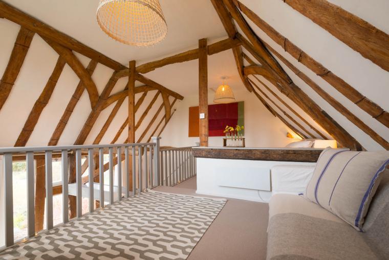 Romantic bedroom, Deepwell Granary, SuffolkRomantic bedroom, Deepwell Granary, Suffolk