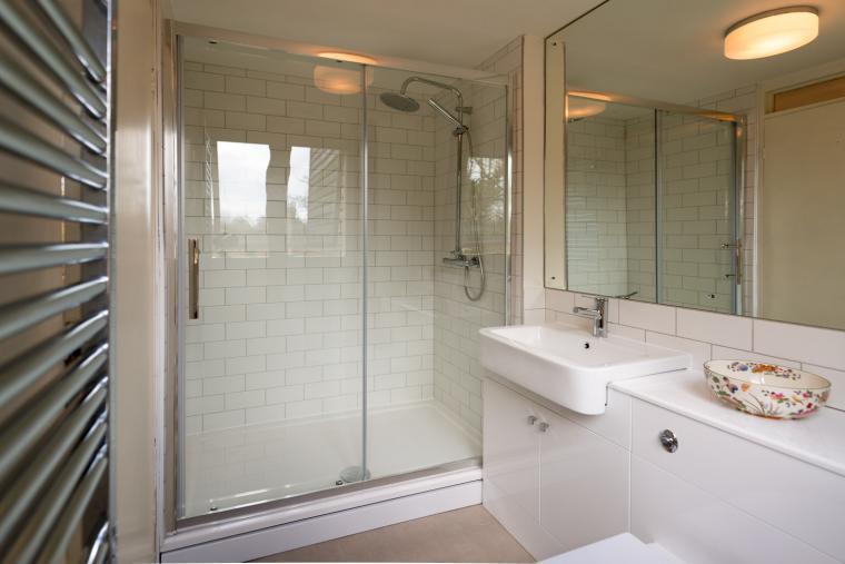 Shower room, Deepwell Granary, Suffolk