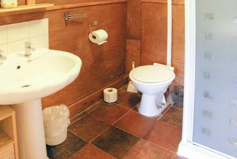 Bathroom, Endymion Lodge