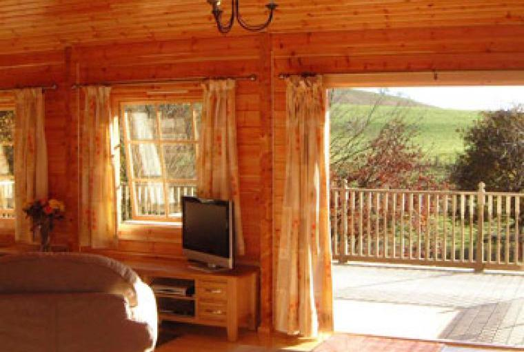 Lodge with hot tub Powys Wales