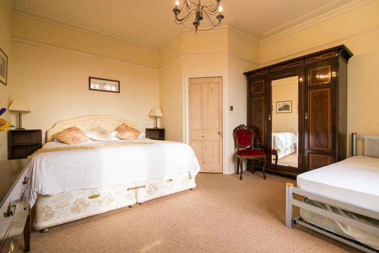 The Superkingsize bedroom has an en suite shower room