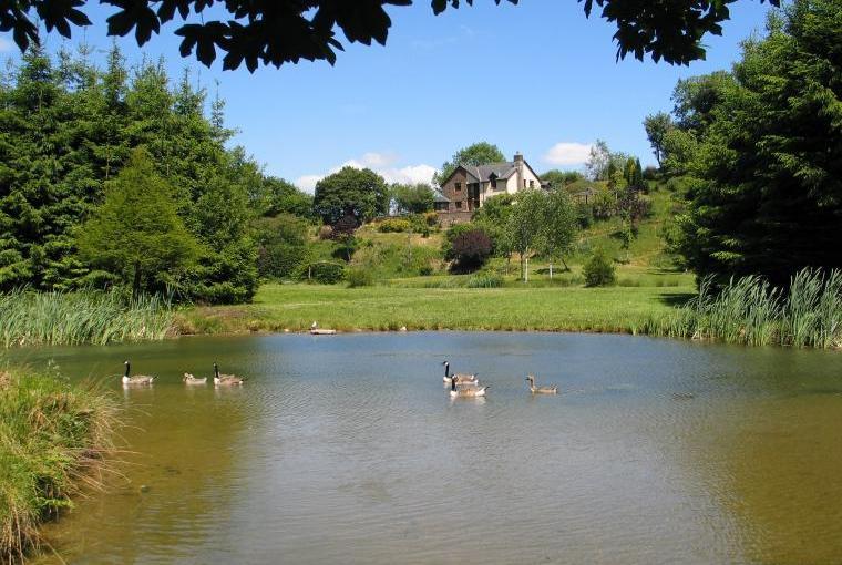 Enjoy the private grounds of Oakmead House