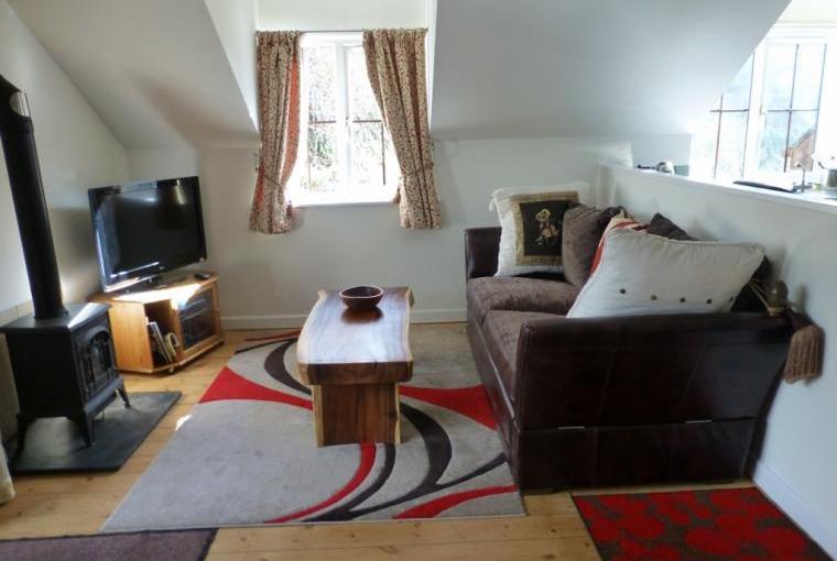 Lounge area Sky TV and wifi