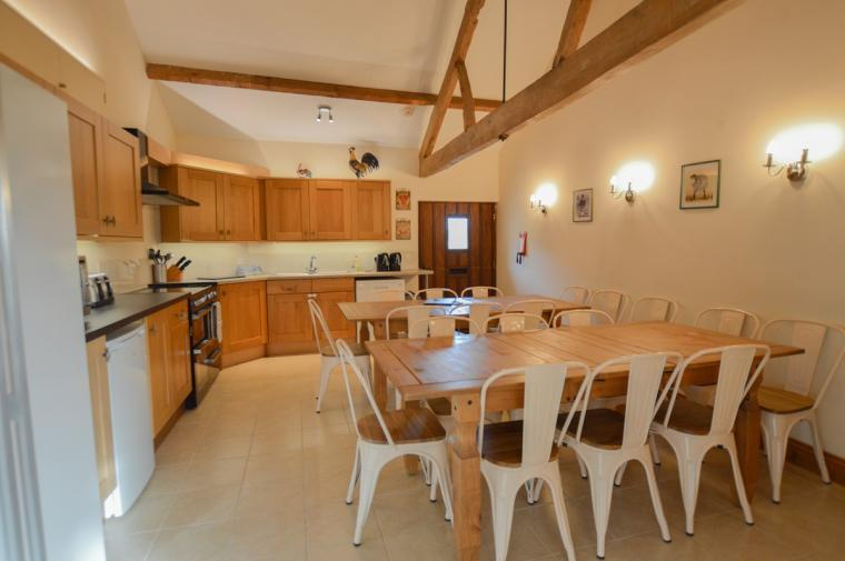 The Cotswold Manor Grange, Exclusive Hot-Tub, Games Barn, 70 acres of Parkland, Oxfordshire, Photo 14