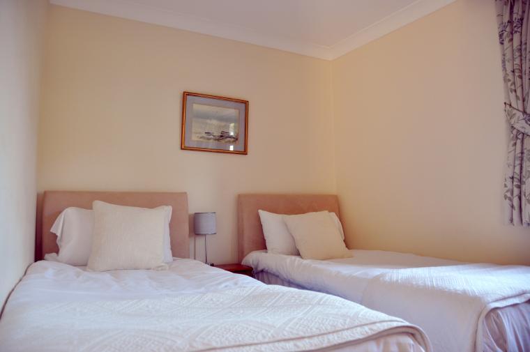 Ploughman's Cottage Twin Bedroom