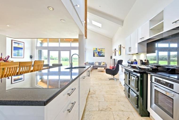 Modern, open plan kitchen with range