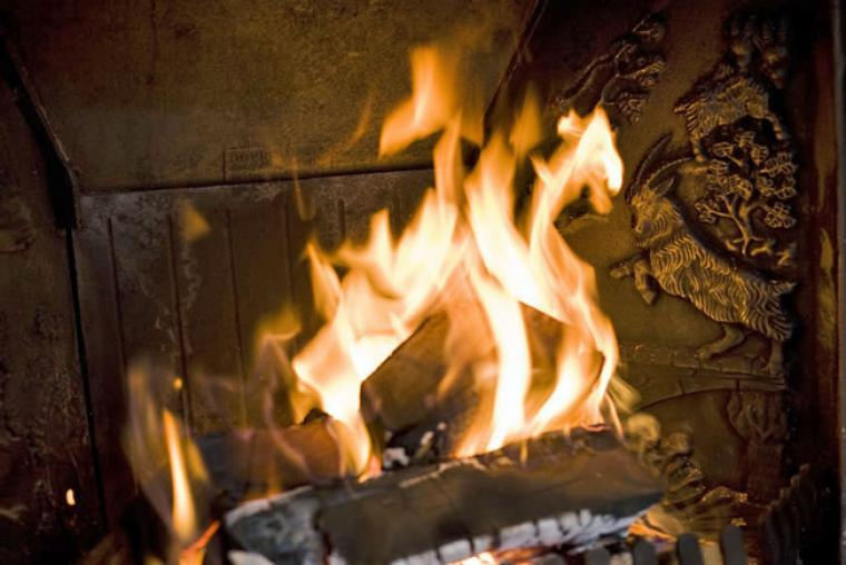 Wood burner all logs provided