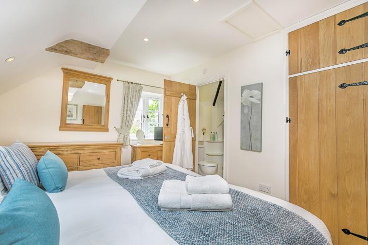 Each bedroom has its own shower/bathroom