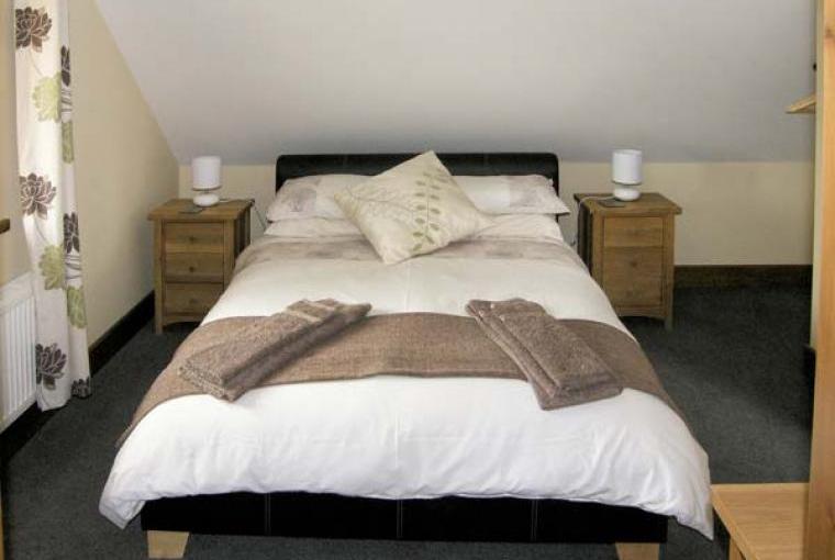 Bedroom, The Granary Coastal Cottage, North Wales