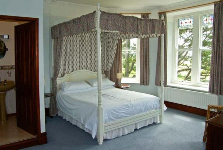 Four poster bedroom,  Pensarn Hall Dogs-welcome Cottage, Snowdonia