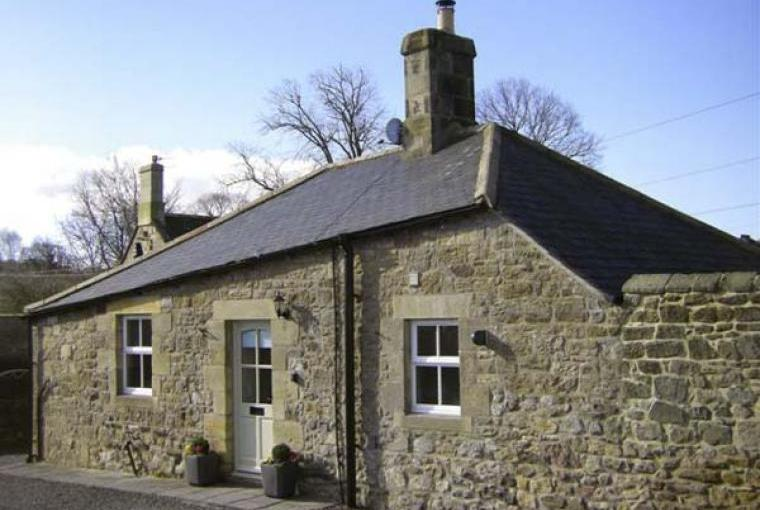 1 bedroom stone-built cottage near Alnmouth