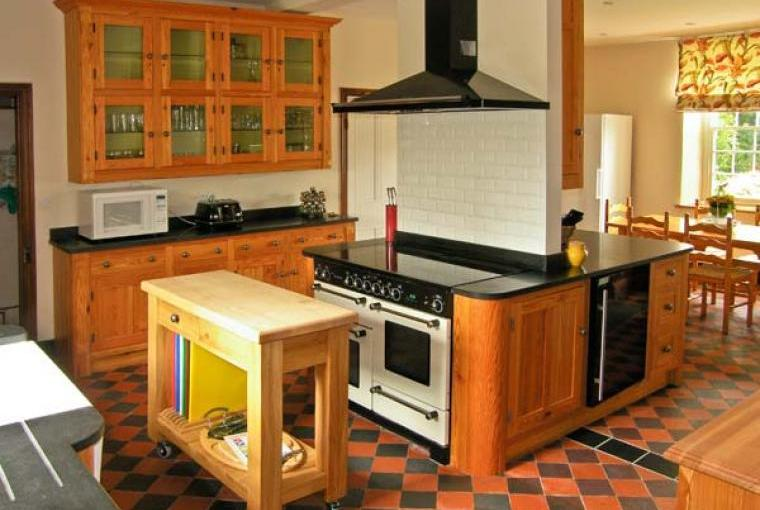Kitchen, Pensarn Hall Dogs-welcome Cottage, Snowdonia