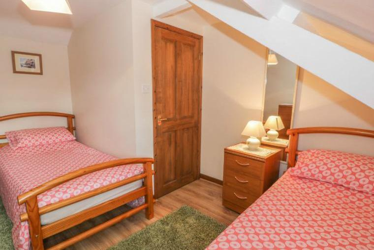 Twin bedroom, Stable 1 Beach Cottage