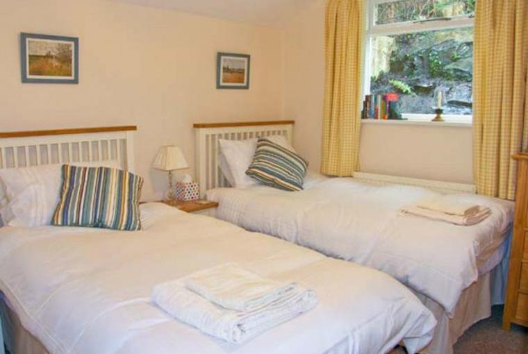 Bedroom, 5 Ivy Terrace