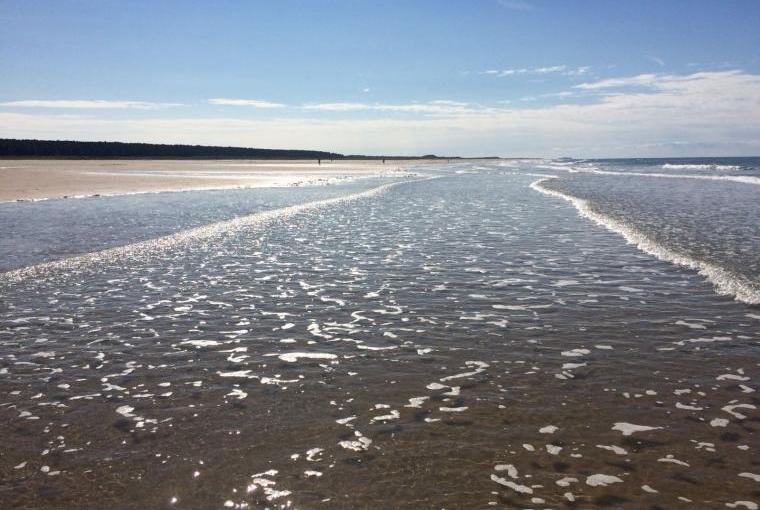 Holme beach - tide in
