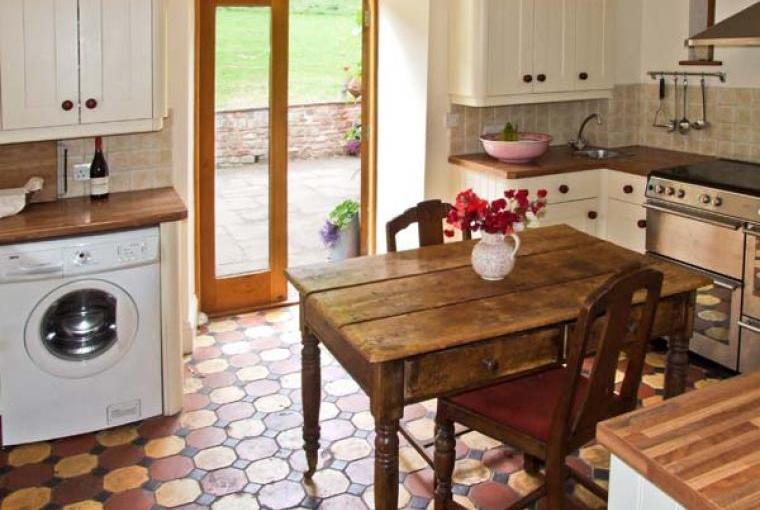 Kitchen, The Lodge Farm Barn