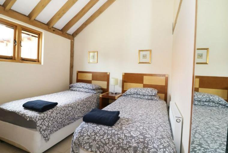 Twin bedroom, Hideways Barn Conversion
