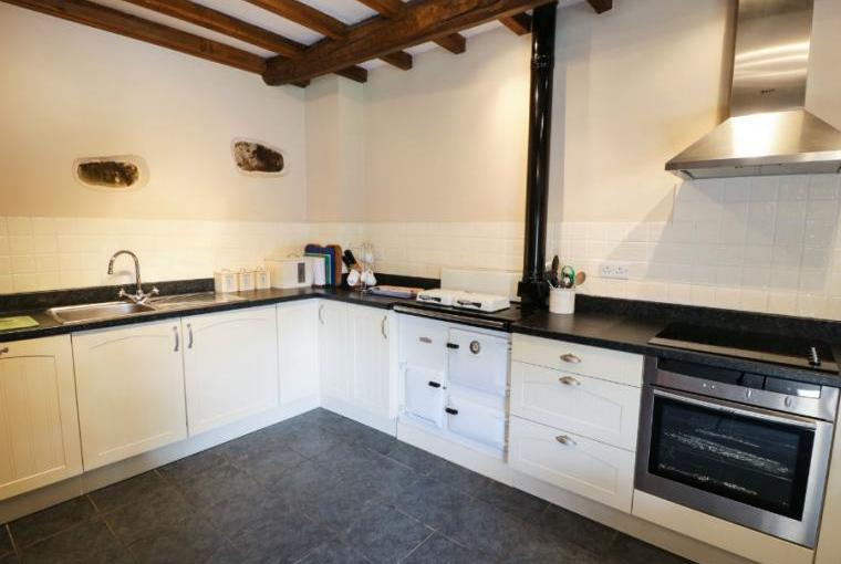 Kitchen, Stable 2 Beach Cottage
