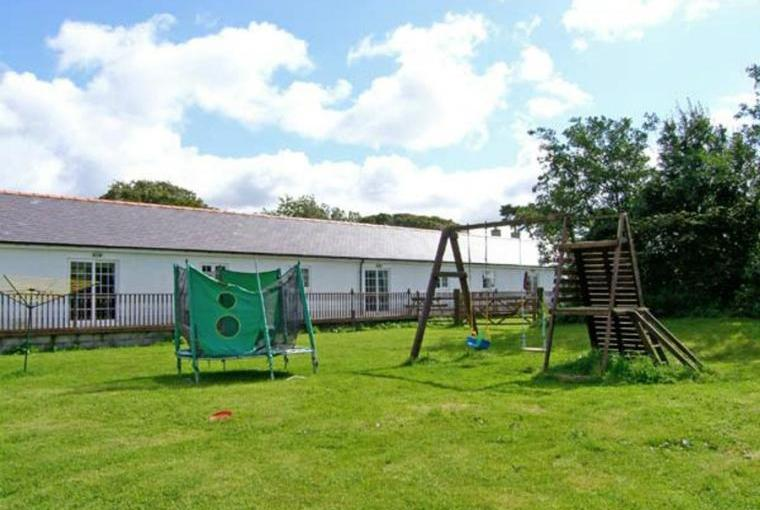 2 Bedroom Barn Conversion on Anglesey with children's play area