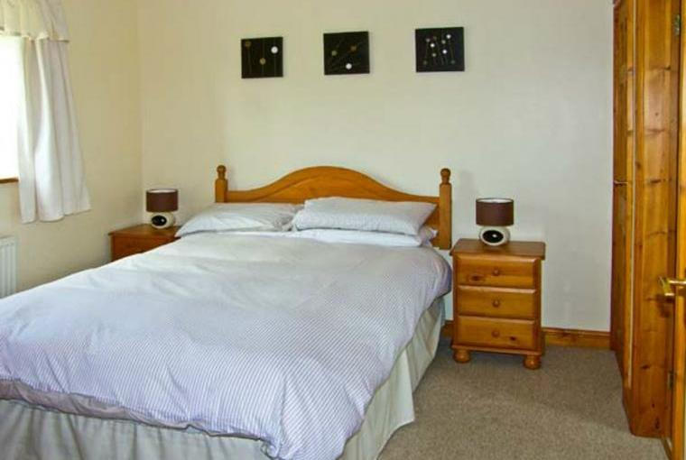 Double bedroom, 2 Black Horse Cottage
