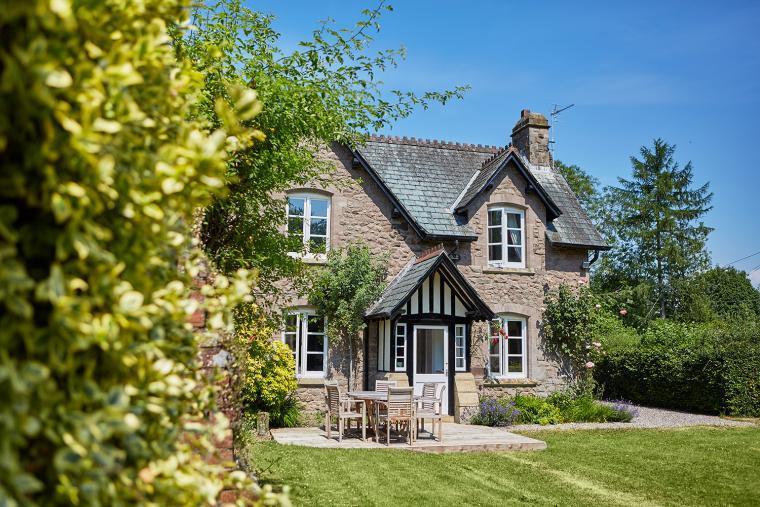 Gardeners cottage near Kington
