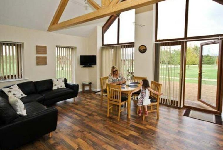Lounge and dining area, Birkdale Lodge