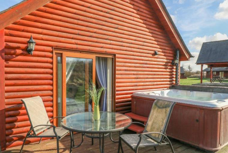 Birkdale Lodge with Hot tub, Lincolnshire