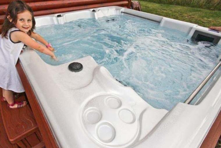 Hot tub, Birkdale Lodge