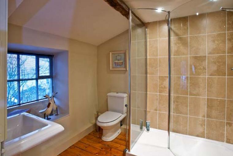 Bathroom, Settlebeck Family Cottage, Cumbria & The Lake District